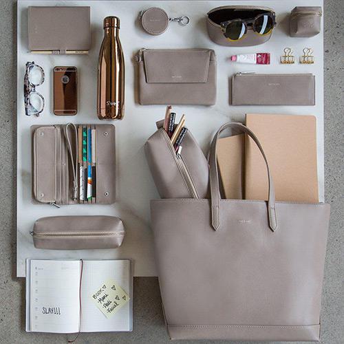 Un sac haut de gamme pour la femme professionnelle. Écorce Paris